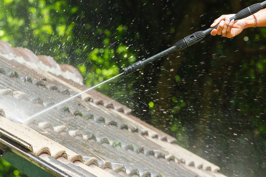 6 Reasons You Should be Looking for Roof Cleaning in London