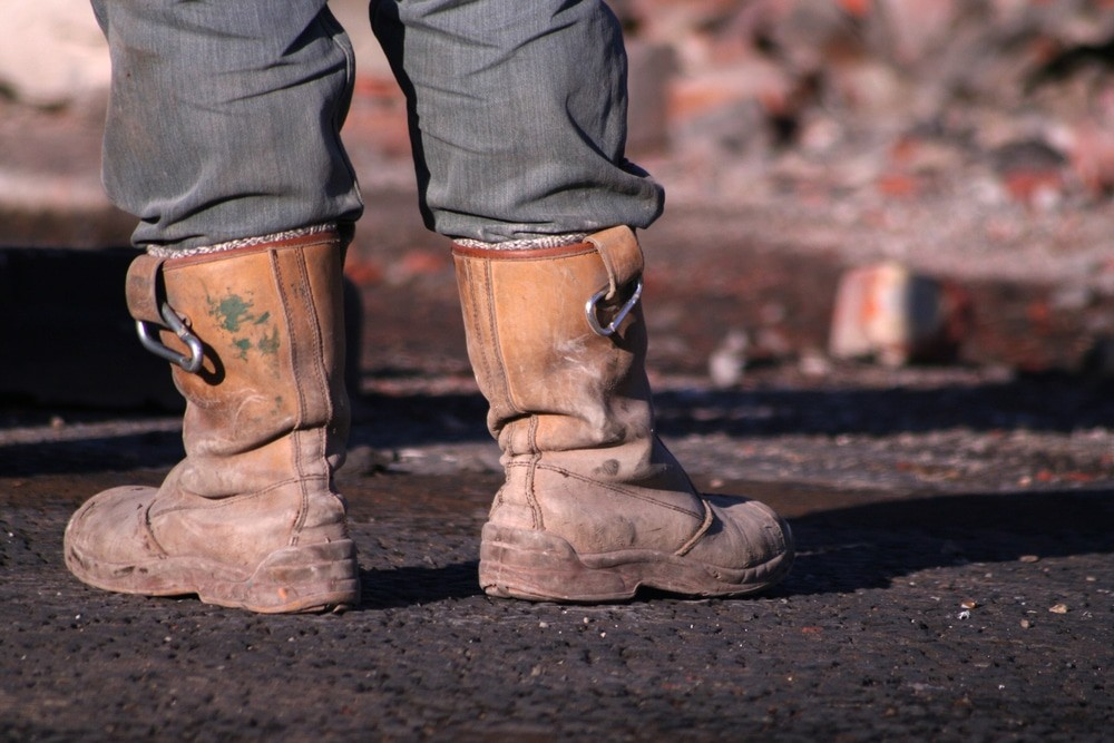 How-To-Choose-The-Best-Pair-Of-Rigger-Boots-With-Ankle-Support